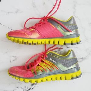 989ed59e544 Reebok Shoes - ⚡FLASH SALE! Reebok 3D FuseFrame Running Sneakers